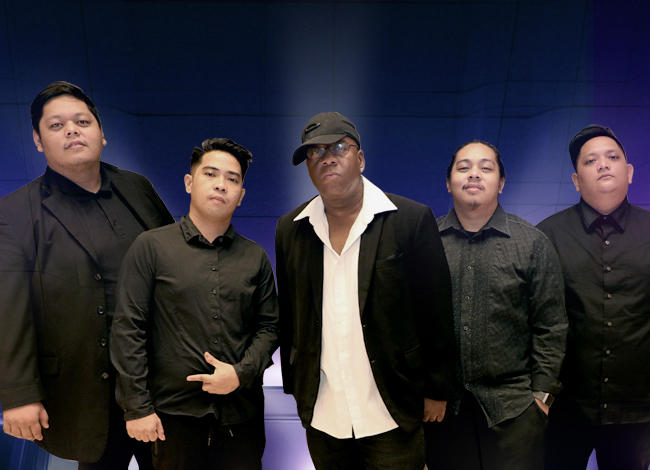 Keith Martin with Laraza Band